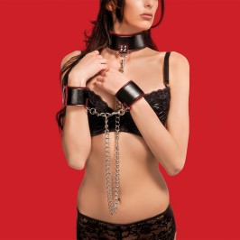 OUCH! REVERSIBLE COLLAR AND WRIST CUFFS RED AND BLACK
